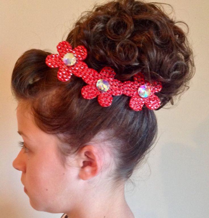 Triple daisy hair clip by CKhairflair on Etsy
