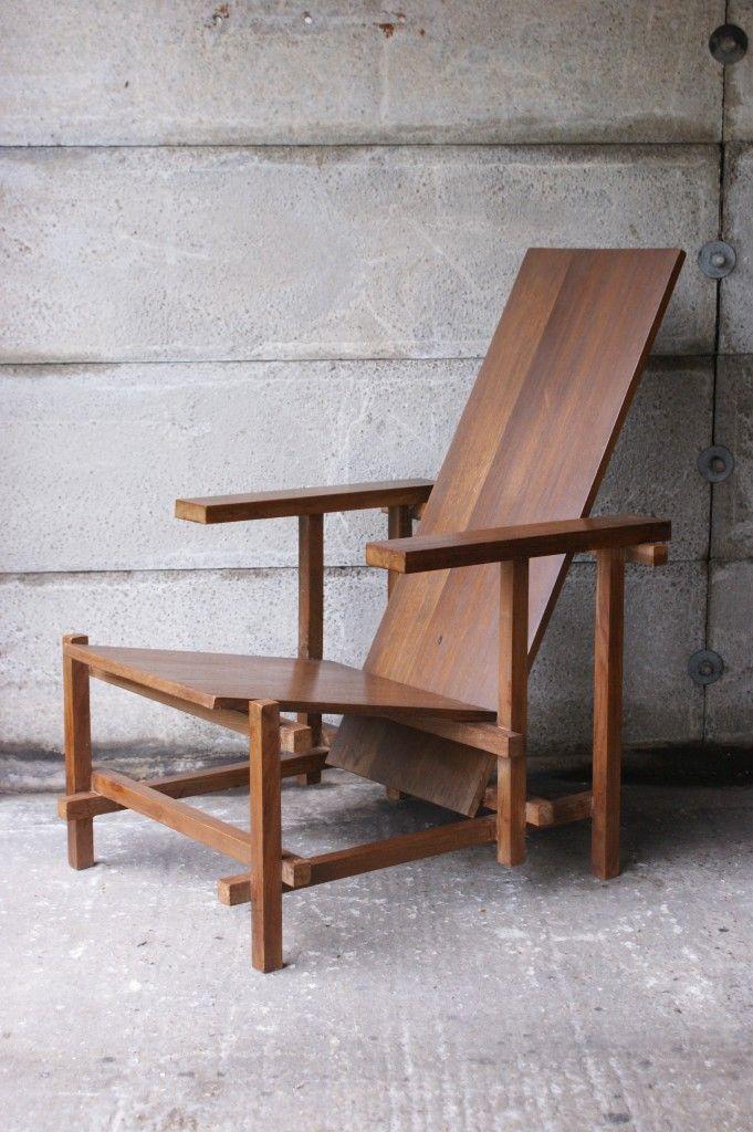 Rietveld Armchair red blue chair