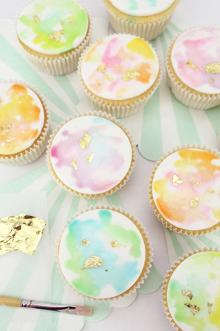 188 best CUPCAKE CRUSH images on Pinterest | Petit fours ...