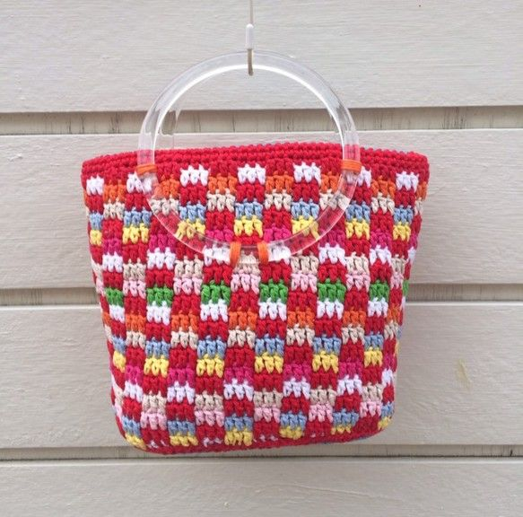 作品コメント 春夏らしい色合いの市松模様で、トートバッグを作りました。 持ち手は、スケルトンで清々しい印象に。 ビビットカラーで、春夏ファッションのお洒落を楽...|ハンドメイド、手作り、手仕事品の通販・販売・購入ならCreema。