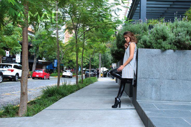 Outfit del día, fall winter, Maxi chaleco cuadros gris, leggins negro vinil