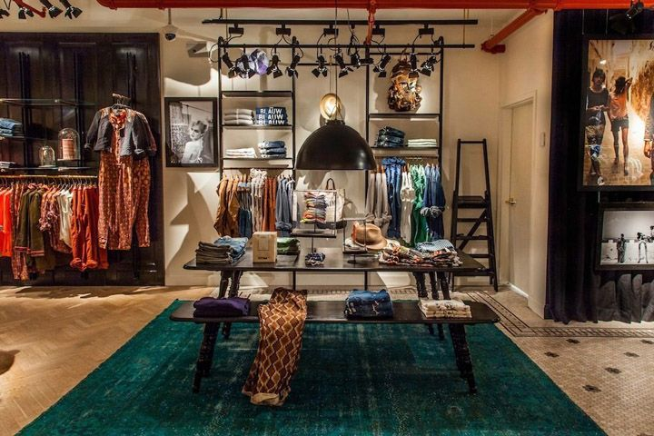 Scotch Soda store New York Scotch & Soda store, New York: love the mussing of the clothing and the idea of their shelving system