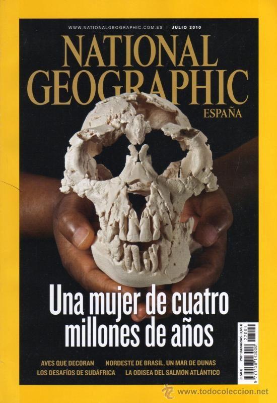 Como en varias de las portadas de esta revista la imagen es su priodidad. Se usan diferentes tipos de letra y variantes de peso.