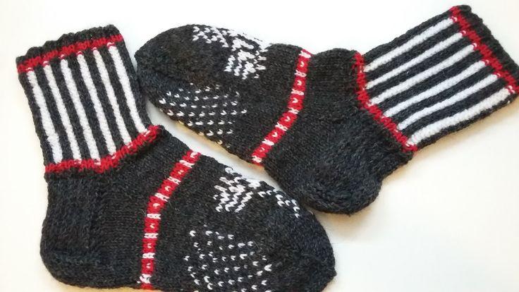 Northern Karelian wool socks