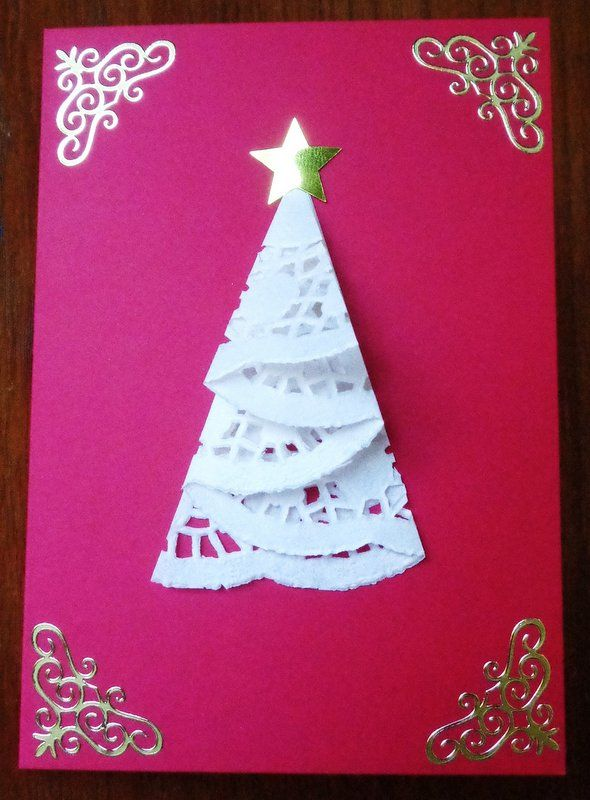 DIY Handmade  doylie Christmas tree card. Simple but effective idea from Pintrest. Just had to try it out.