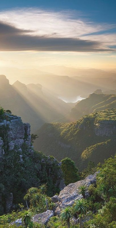 Blyde River Canyon, Mpumalanga, South Africa. http://www.southafrica.net/za/en/articles/entry/article-southafrica.net-the-panorama-route