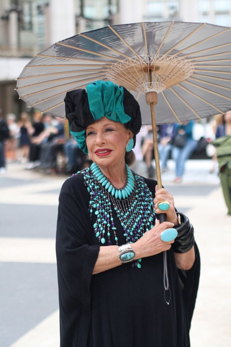 """Lynn Dell, """"The Countess of Glamour"""" from the Advanced Style blog."""
