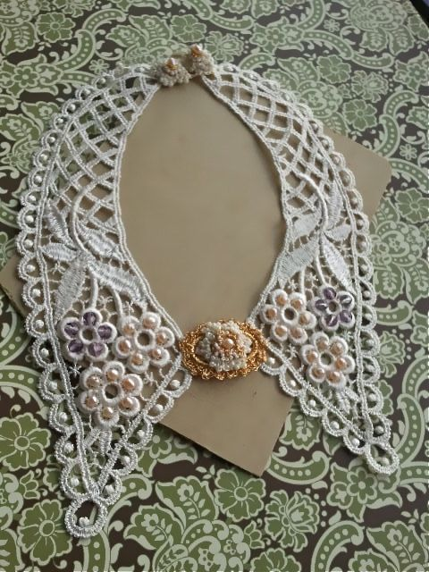 Vintage Bridal Pearl Collar-Victorian Look Antique Gold Lace with Amethyst-Detachable