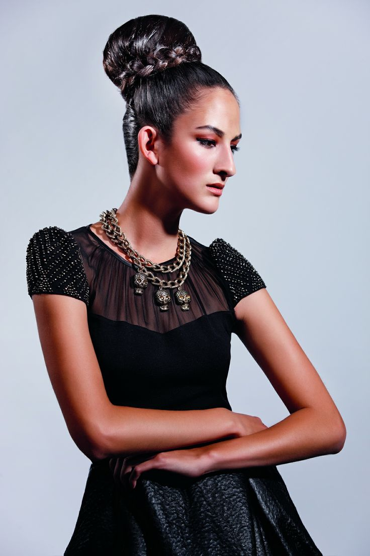 Royal Hair Style by Falak Sibaiová #updo #brunette #chignon #bun #royal #hairstyle #lorealprofesionnel #lorealpro #petramechurova