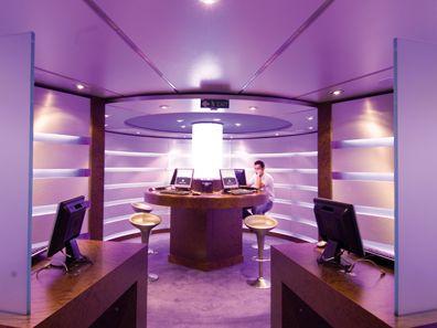 Sfeerimpressie MSC Orchestra. Het schip kent een aparte internetkamer.