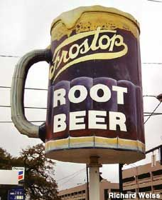 Baton Rouge, Louisiana - Giant Root Beer Mug - Frostop Chain