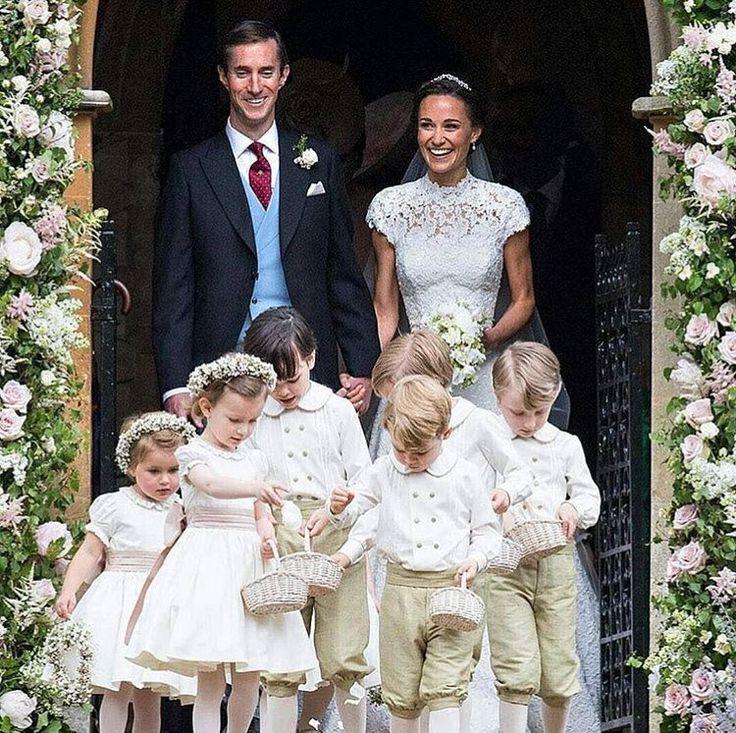 Cambridge Düşesi Kate Middleton'ın kız kardeşi Pippa Middleton evlendi. #bride #PippaMiddleton http://gelinshop.com/ipost/1519486623599205338/?code=BUWTQiYlpva