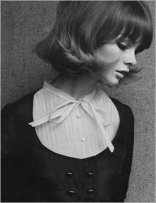 retro bob and sweet bow collar