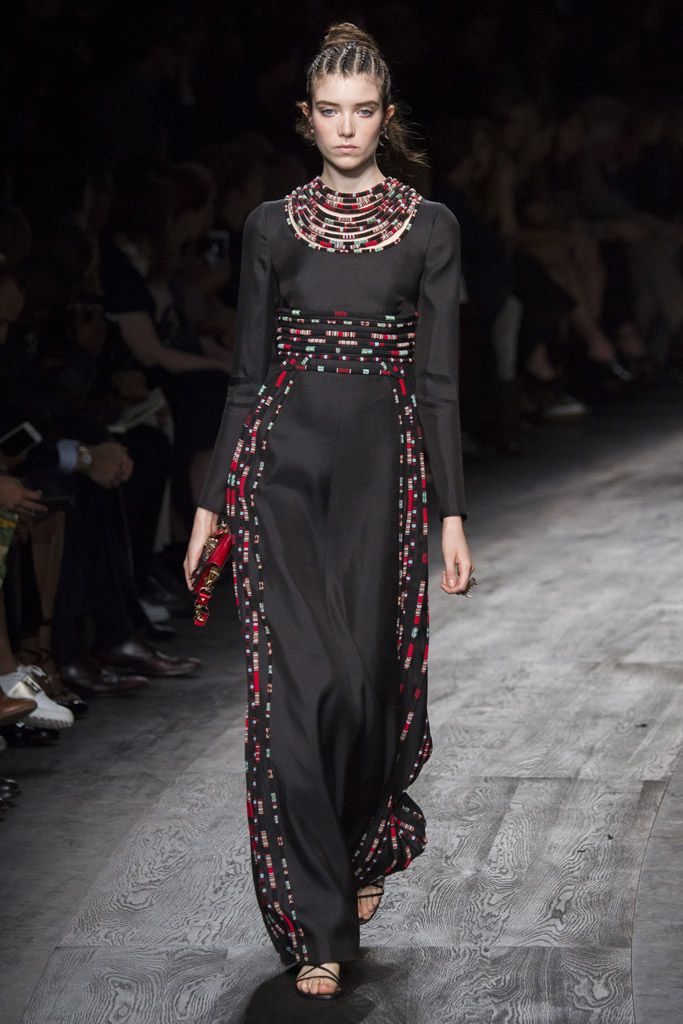 Fotos de Pasarela | Valentino, desfile, colección, primavera-verano 2016, Paris Fashion Week, París Primavera/ Verano 2016 Paris Fashion Week | 44 de 91 | Vogue