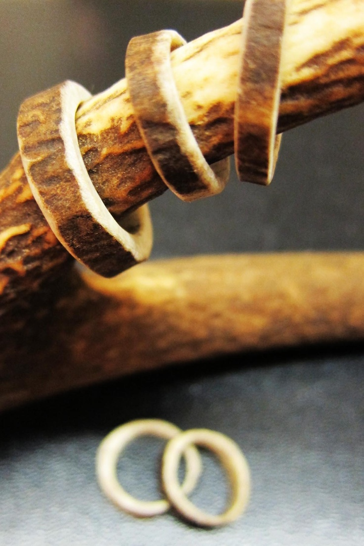 I know someone tht has a couple of these.... Maybe I will get one ? That would be so neat. How many ppl do you know that have a ring made out of deer antler?