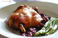 Pato confitado con salsa de melocotones al vino. | Cuchillito y Tenedor