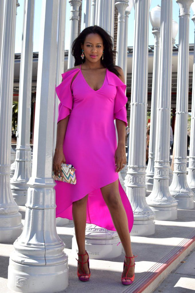This look has summer fashion written all over it! This pink dress is perfect for a summer wedding and any chic summer party. https://www.busywifebusylife.com/fashion/mylooks/summer-style-exhibition/