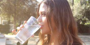 Pila každé ráno teplú vodu s citrónom. Po mesiaci sa s jej telom stali neuveriteľné veci.... - Rady pre ŽENY