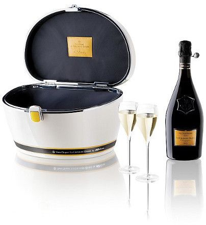 17 best images about champagne 2015 on pinterest coupe miniature and coupe glass - Coupe champagne veuve clicquot ...