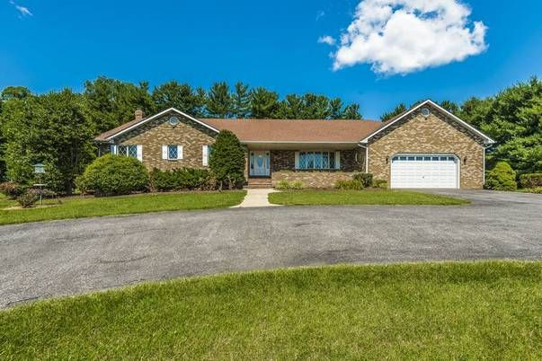 Paul Clay of RE/MAX® Realty Plus just listed 17502 Country View Way Mount Airy MD 21771 ONE LEVEL LIVING! Huge custom all brick rancher, 2856 sq ft on each floor, 4 BRs, 3 FBs, 1 HB, cathedral wood ceiling in 18'x25' family room, library with cherry wood built-in cabinets and shelves, lower level 28'x42' recreation room, pool house with his and her HBs and wet bar, heated 20'x40' in-ground pool. Howard County Schools - Lisbon ES, Glenwood MS, Glenelg HS. A must see home!