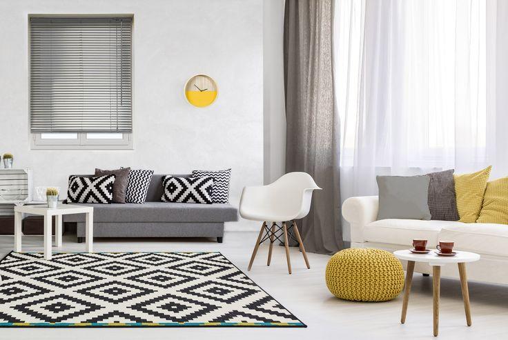 Une magnifique pièce de vie agrémentée d'un store vénitien aluminium gris et d'un ensemble rideau-voilage, on adore ! #blind #store #aluminium #gris #grey #curtain #deco #ideedeco #storesdiscount