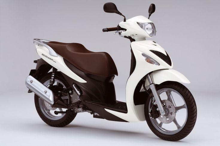 Skuter Suzuki SIXteen 125