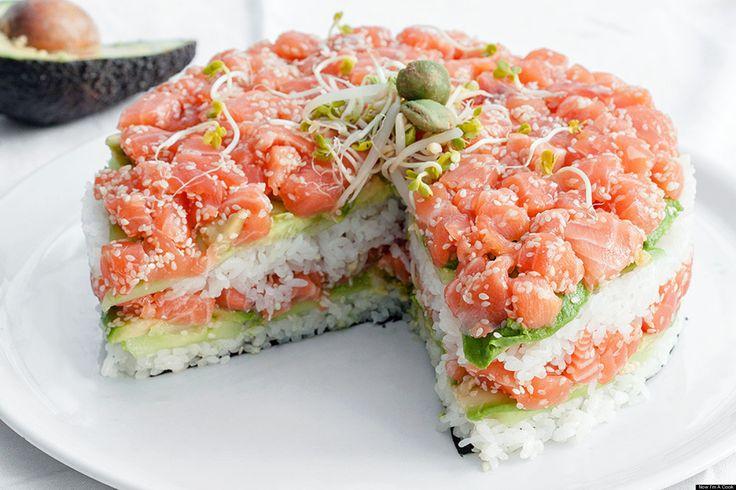 Ben jij ook al een tijdje verslaafd aan sushi en heb je binnenkort iets te vieren? Dan hebben we een geweldig recept voor je: een sushi-taart!Deze taart móet iedere sushi-liefhebber geproefd hebbe…