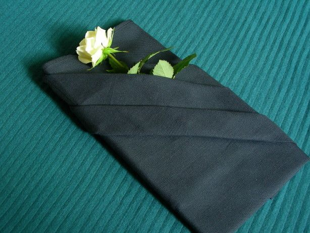 Serviette/Napkin Folding, French Pleat With Pocket