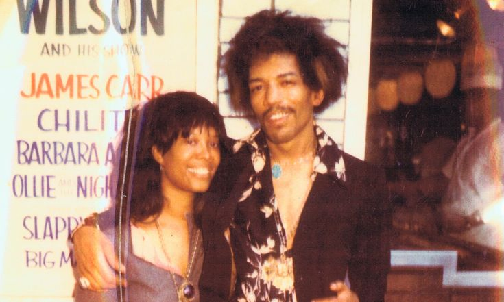 Lithofayne Pridgon: Jimi Hendrix's original 'foxy lady' Jimi and Lithofayne outside the Apollo, 1969. Photograph: Courtesy of Lithofayne Pridgon