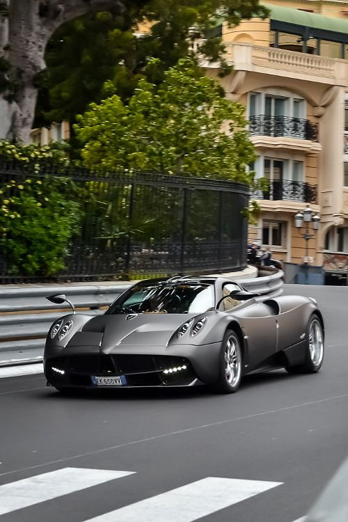 The beautiful design on the Pagani Huayra takes it's inspiration in the beauty of women. That's probably why it is so attracting to real men