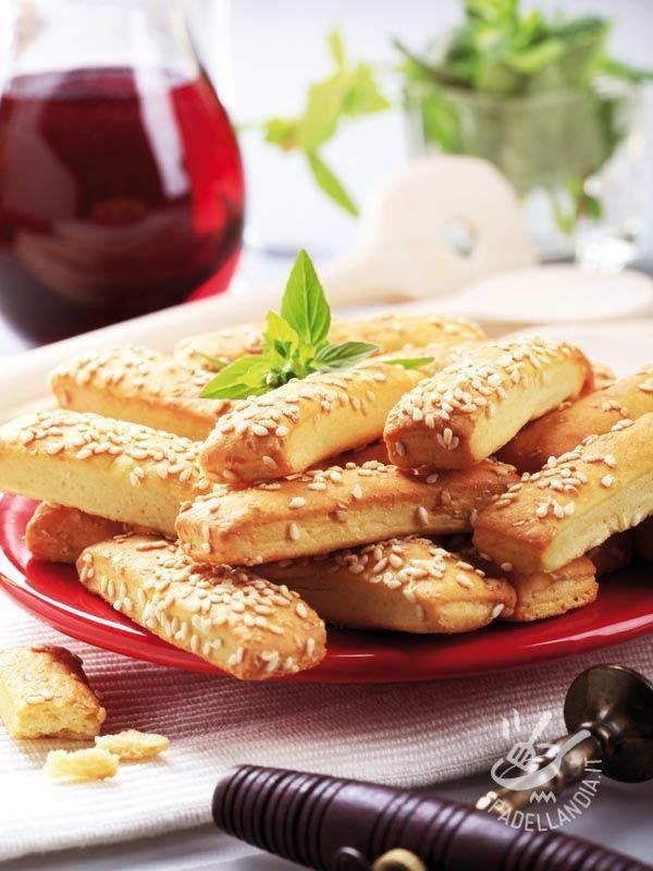 Biscotti al parmigiano e sesamo - Antipasti / Stuzzichini Antipasti freddi