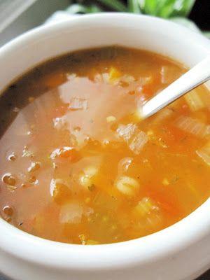 SOUPE ORGE & TOMATES Je voulais faire une soupe réconfortante, avec des légumes, sans nouilles, aux tomates et qui laisserait dégager un...