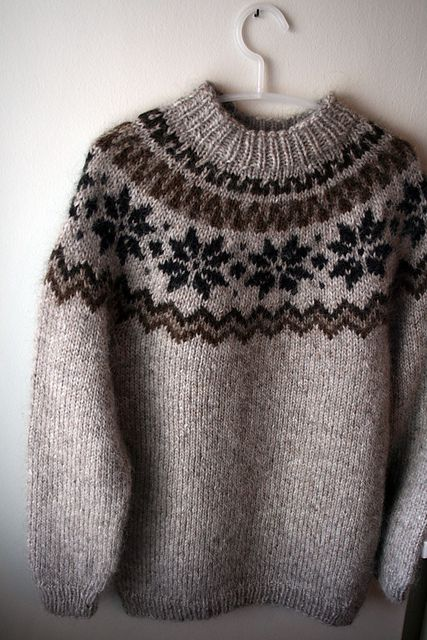 Ravelry: gussie's álafoss lopi sweater