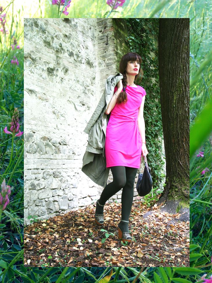 the fuxia dress #altoitaliano #madeinitaly #fuxia #outfit #fashion #bijoux #spring #parka #green #dress