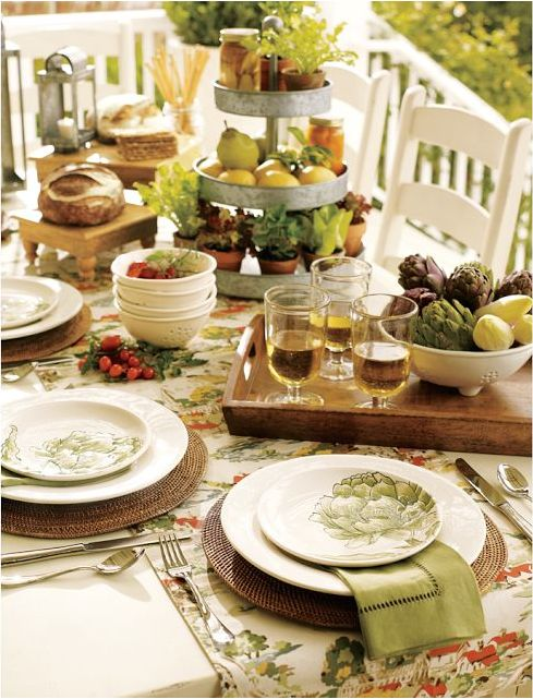 Best 25 casual table settings ideas on pinterest for Christmas lunch table setting ideas