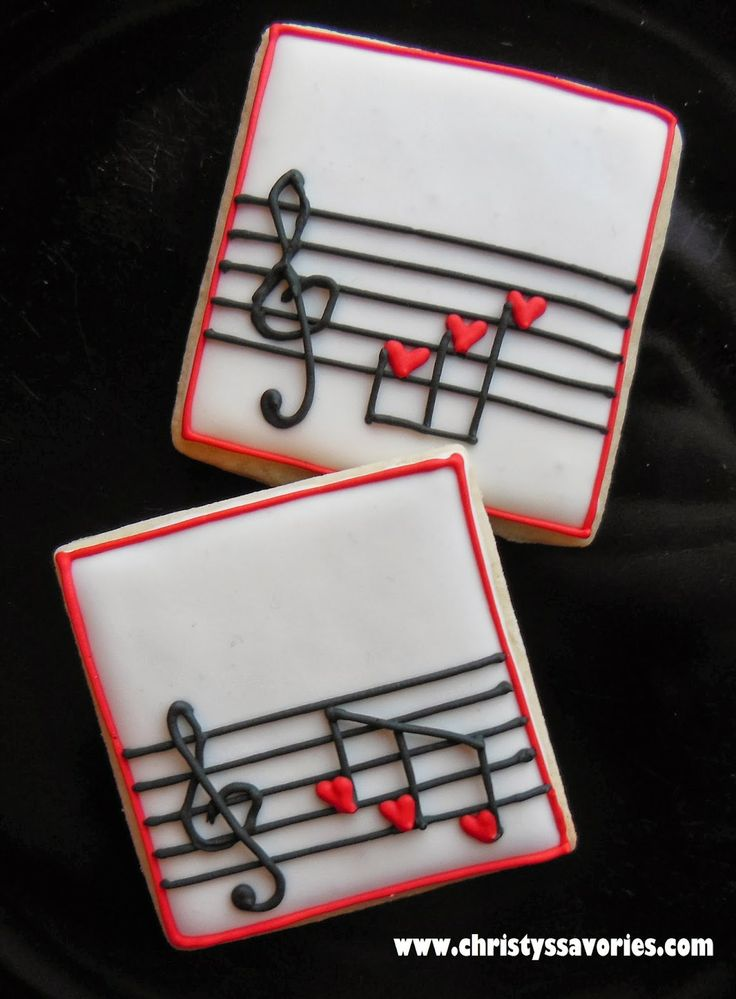 Music / Musical Notes Hearts decorated sugar cookies for Valentine's Day by Christy's Savories. Gallatas decoradas de musica.