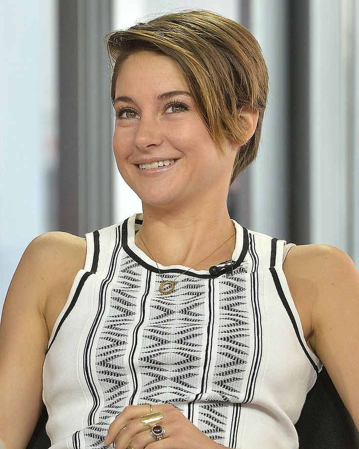 Short hair inspiration brought to us by Shailene Woodley.