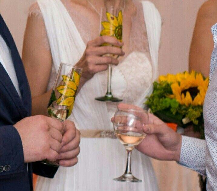 Wedding glasses sunflower