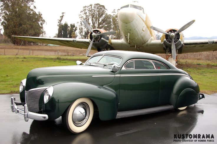 1940 Mercury coupe... Looks like some Westergard influence...