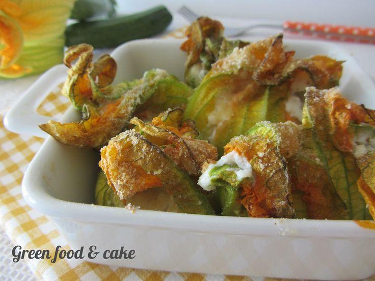 Fiori di zucchina al forno http://blog.giallozafferano.it/greenfoodandcake/fiori-zucchina-forno/