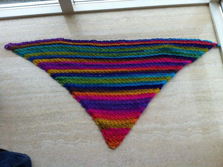 Solomon's/lover's knot shawlette