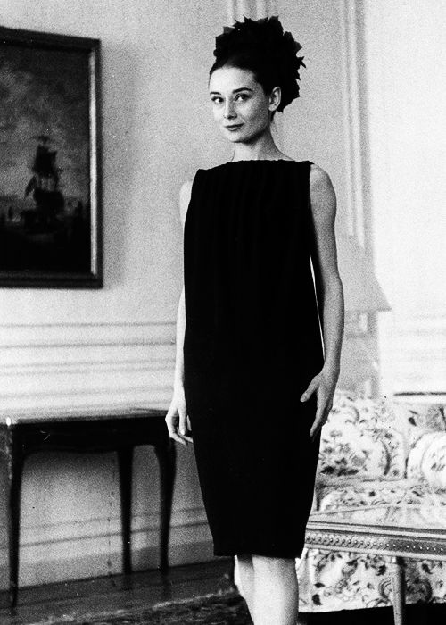 437 best images about audrey hepburn on pinterest swedish actresses the nun 39 s story and paris. Black Bedroom Furniture Sets. Home Design Ideas