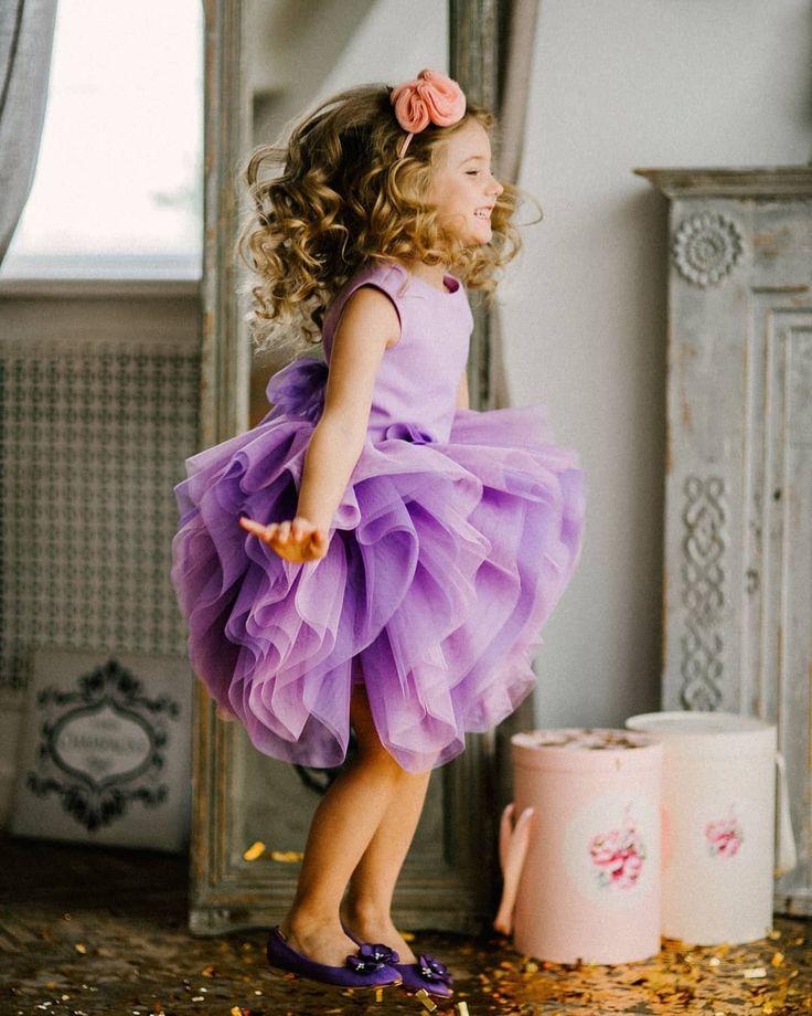 403 отметок «Нравится», 4 комментариев — Волшебные наряды (@my__little__sister) в Instagram: «Модель платья #Little__Flower выполнена из стрейч сетки, ткань пружинит и очень красиво смотрится в…»