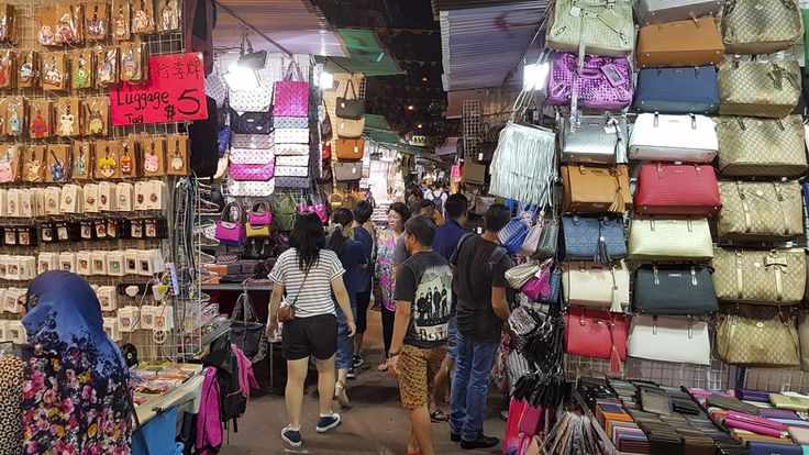 Temple Street Night Market Hongkong Reistips - GlobeHopper
