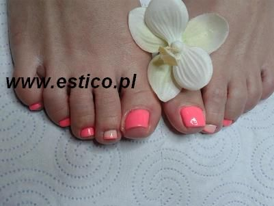 pedicure nails