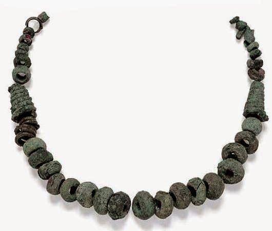 lampadari sassari : . 12. Collana, sec. XI-VIII a.C. bronzo, ? max vaghi 1,5 cm, Sassari ...