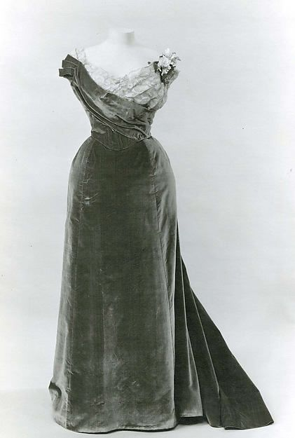 1899  Evening dress