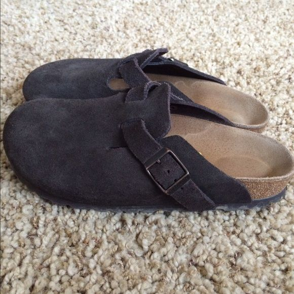Shop Women's Birkenstock Brown size 6 Mules & Clogs at a discounted price  at Poshmark. Description: Cute little mules.