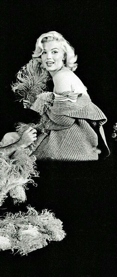 Marilyn. Mandolin sitting, 1953.