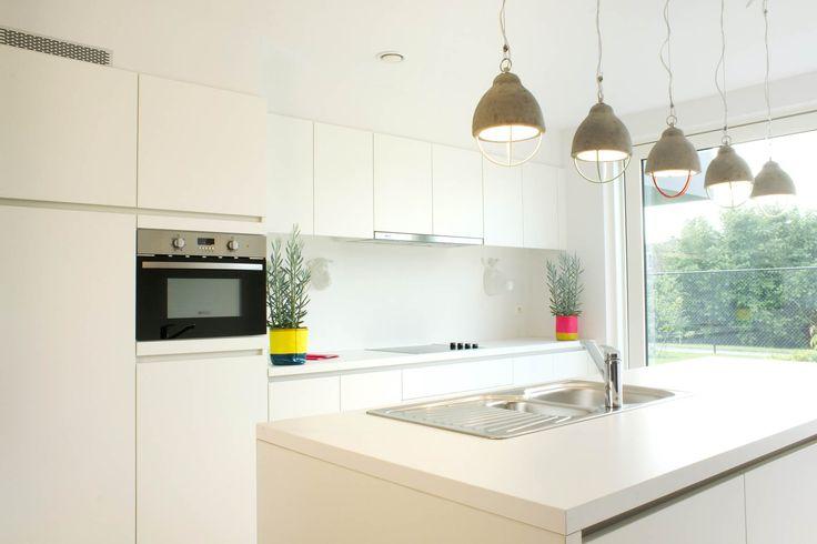Modus 3 - strakke witte keuken